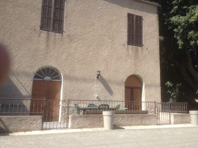 """""""T3 en Balagne, à Feliceto dans Maison de Village"""""""