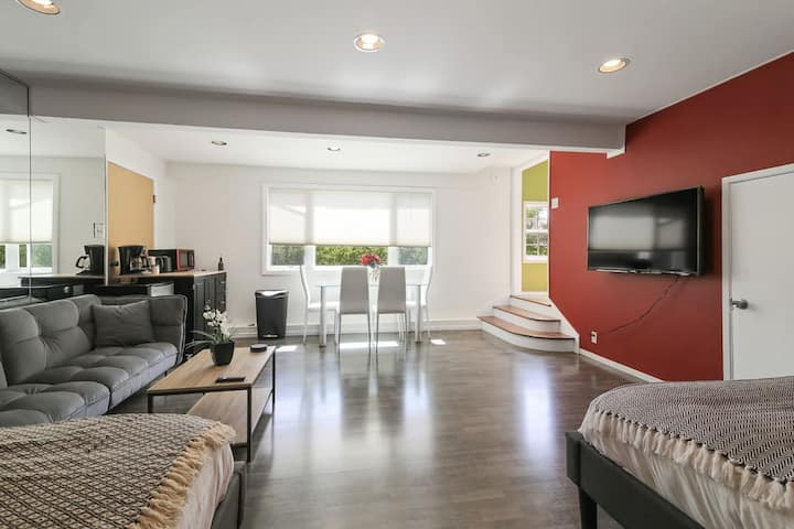 Bright, smartly furnished home perfect for you ❤️