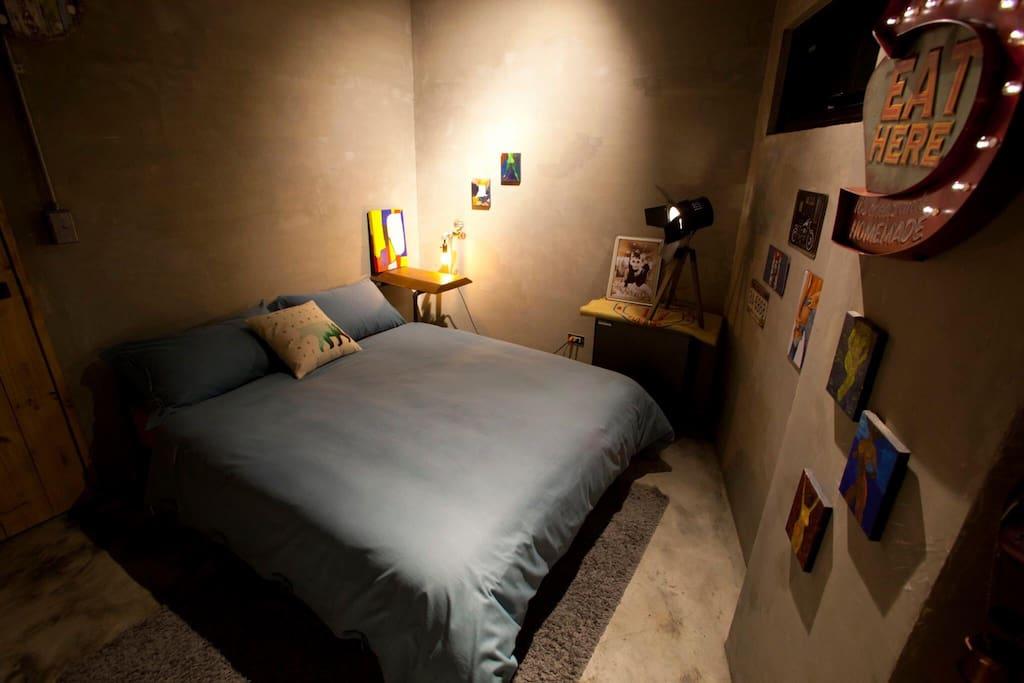 1F [1 room]