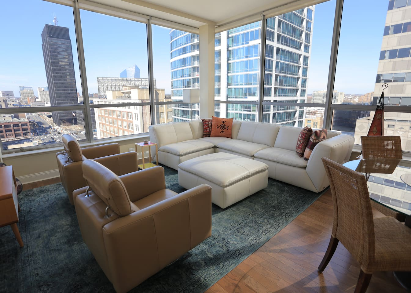 luxurious apartment in the heart of city apartments for rent in