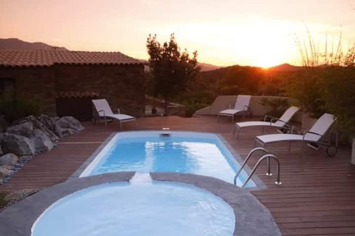 Bergerie avec piscine privée,près de Saint florent