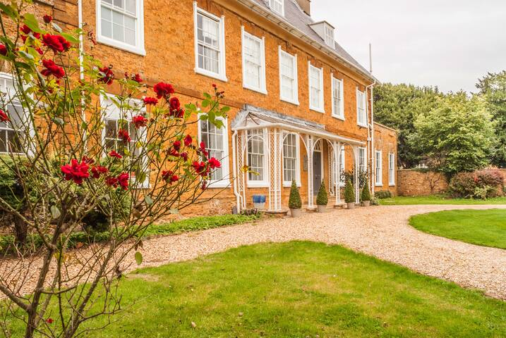 Boutique Historical Country House -Franklin Suite