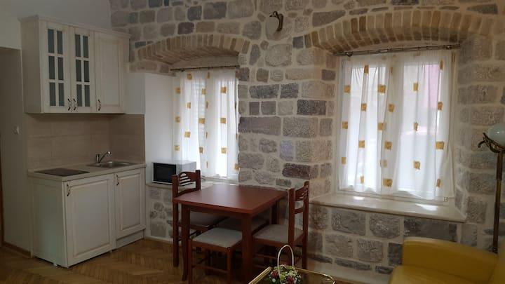 Kotor Old Town, Lazar Studio 4