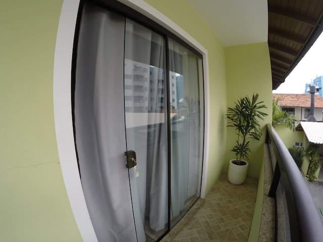 Residencial Bombinhas apto 06 ( 1 dormitório)