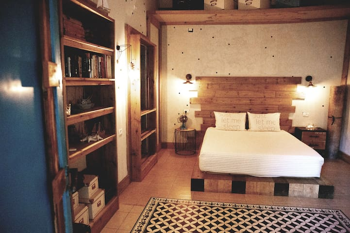 Tsimeroni Economy Double Room
