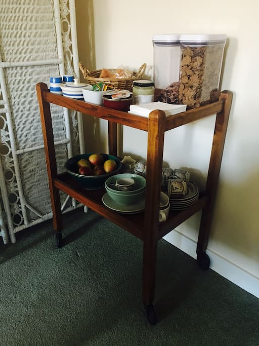 Continental breakfast trolley