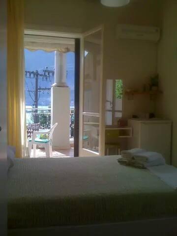 """""""Thalia"""" room @Vasiliki Lefkada Ionion Greece - Vasiliki - House"""