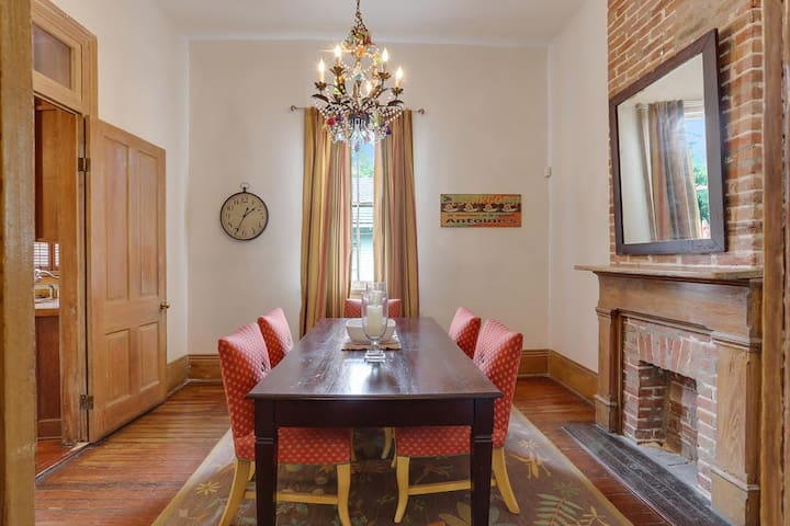 2/1 - Comfortable. Great Location - New Orleans - Huis