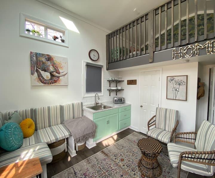 Unique Tiny House Experience