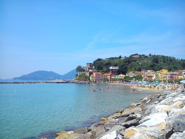 San Terenzo Beach