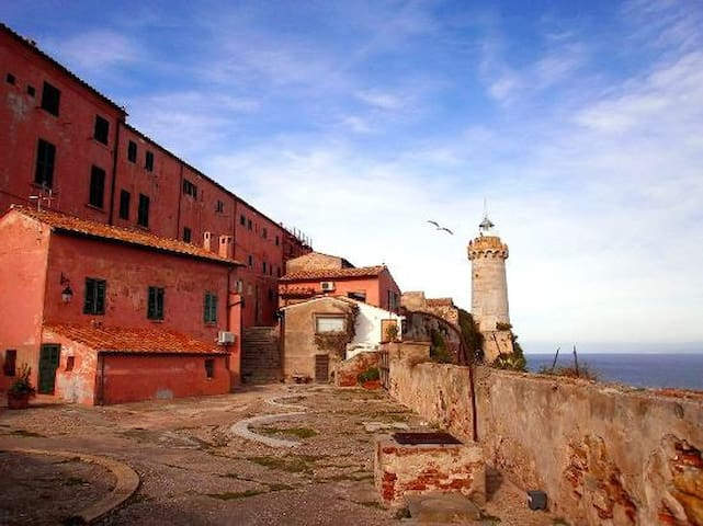 "UNIQUE LIGHTHOUSE ""FORTE STELLA"" - Portoferraio - Loft"