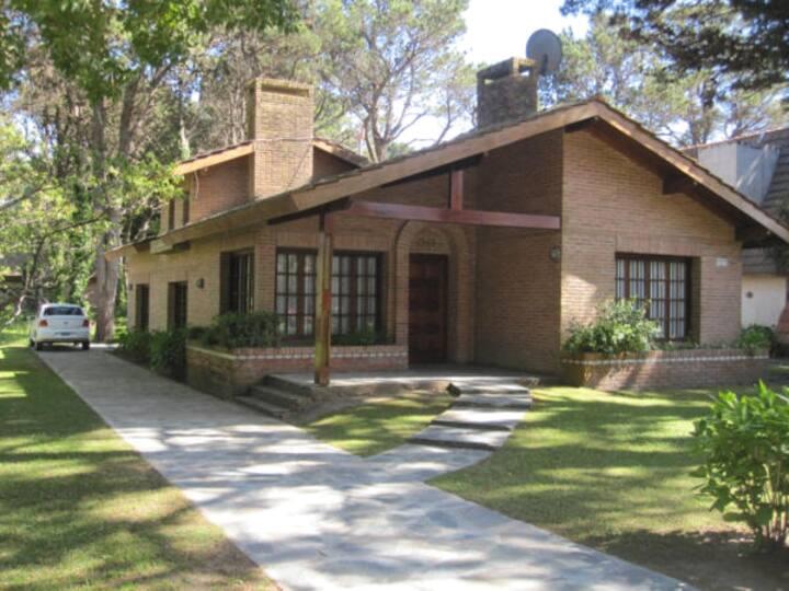 Lovely house in Pinamar - Lasalle neigborhood