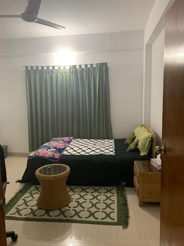 Room with a twin bed  /w attached bathroom Niketan