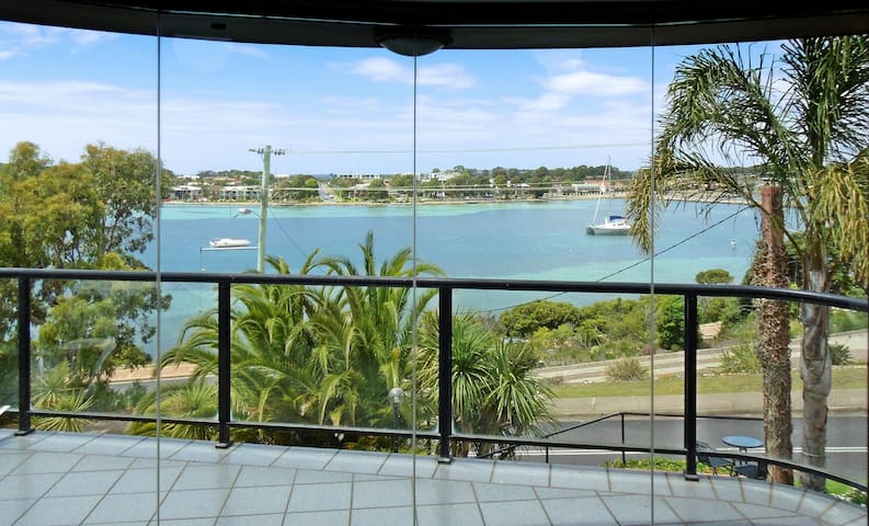 'CORALYN 4' - Location and views - Merimbula - Byt