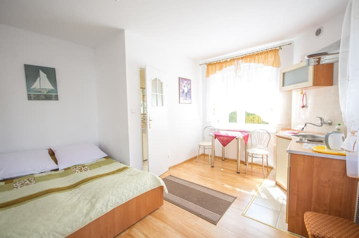 Nice and cheap double room, close to the beach.