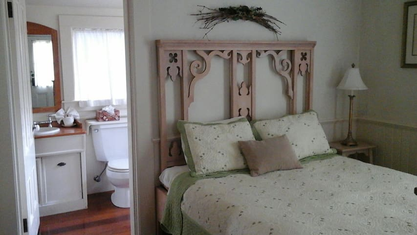 Squibb House - Cambria - Bed & Breakfast