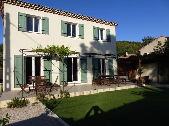 Villa provençal de 110 m2, 8 personnes,  jacuzzi - Ensuès-la-Redonne - House