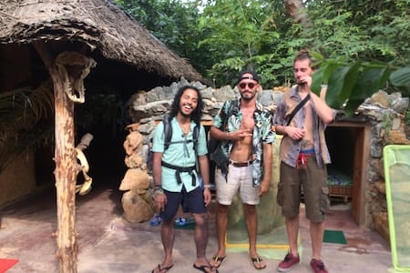 Cave backpackers Bentota