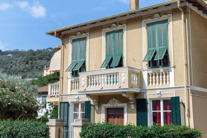 Dussaiga - La casa di Giacinta