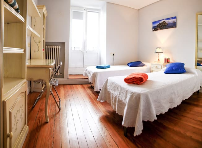Double room with Breakfast - Bilbao