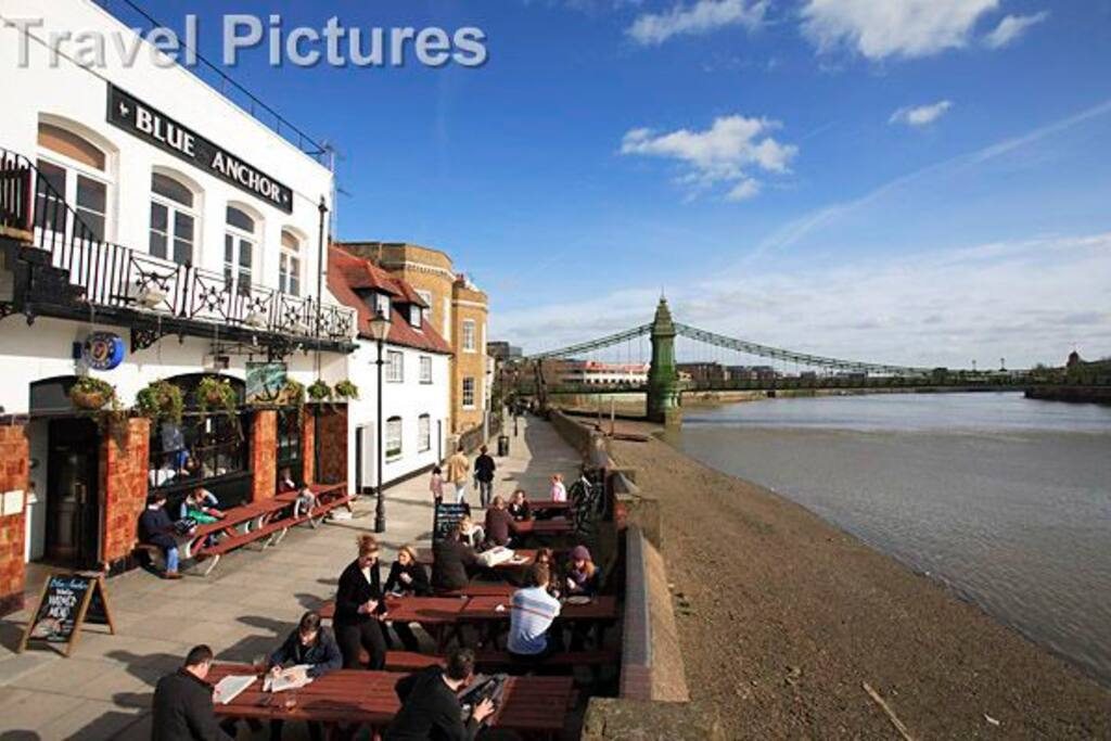 Pubs on water 2 mins walk from Hammersmith Bridge
