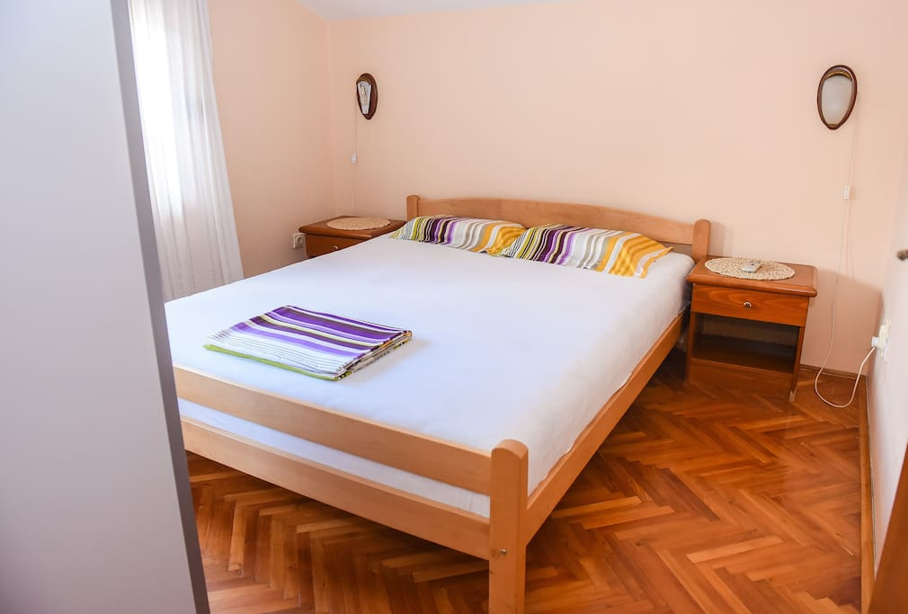 1st bedroom (double bed)