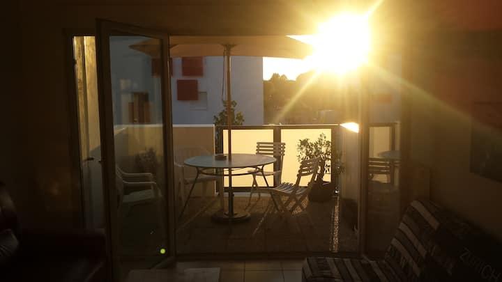 Joli T2 neuf, 48m2 + terrasse à 10 min de la Plage