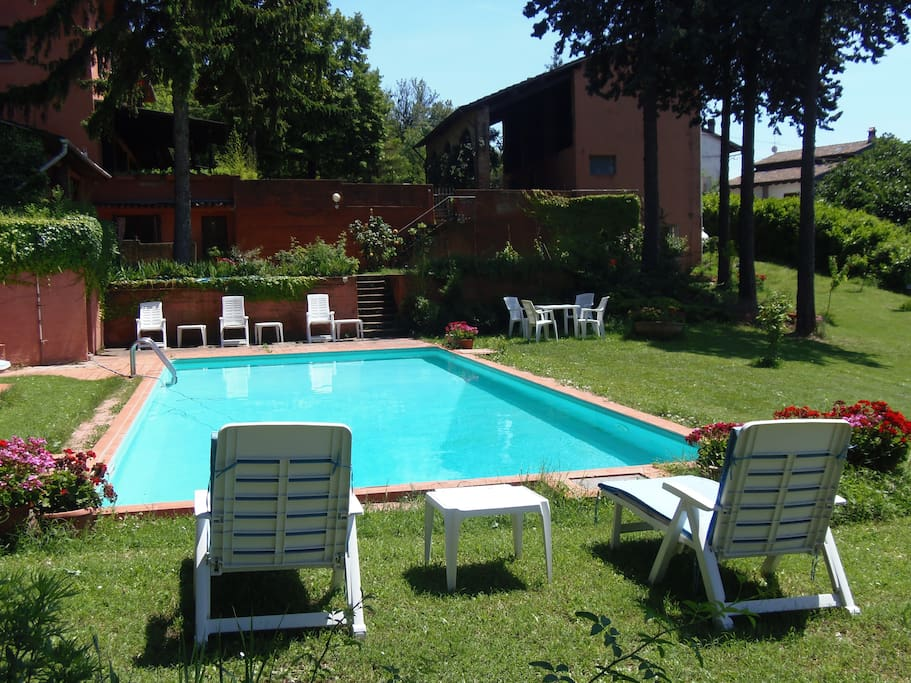 Il vostro relax in piscina -Your relax in the swimming pool