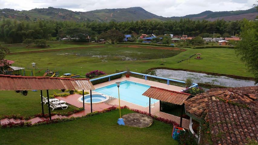 Finca en Pavas - Valle - Colombia - Pavas - Chalupa