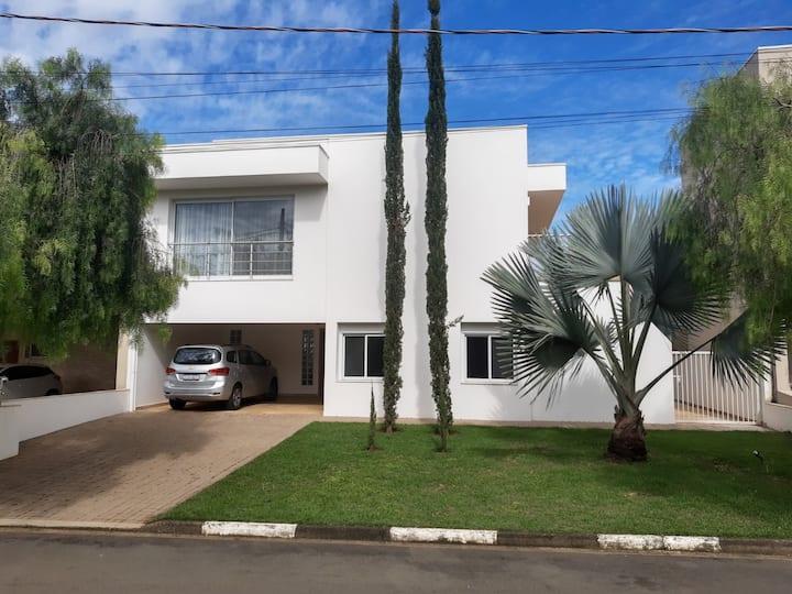 Wow!!!, A casa na Capital Nacional das Flores
