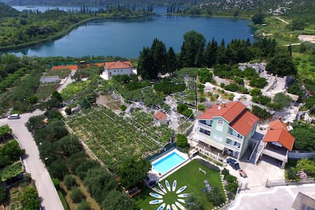 Villa Solo, Rural, 2bedrooms ML.App.in Nature Park