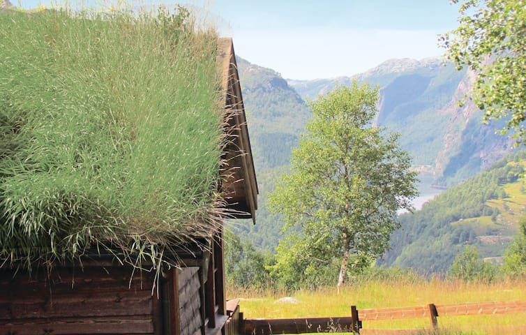 Holiday cottage with 3 bedrooms on 100 m² in Vikeså