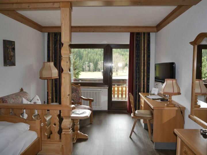 Landgasthof Jostalstüble, (Titisee-Neustadt), Einzelzimmer, 22qm, mit Dusche/WC und Balkon