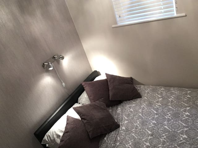 Bedroom - Double bed