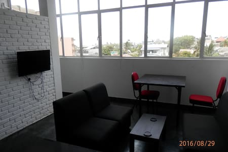 Super Studio Apartment Close to Beach and Galle Rd - Dehiwala-Mount Lavinia - 公寓