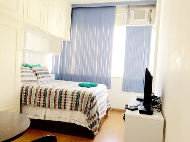 LOVELY APARTMENT IN IPANEMA WITH SEA VIEW!