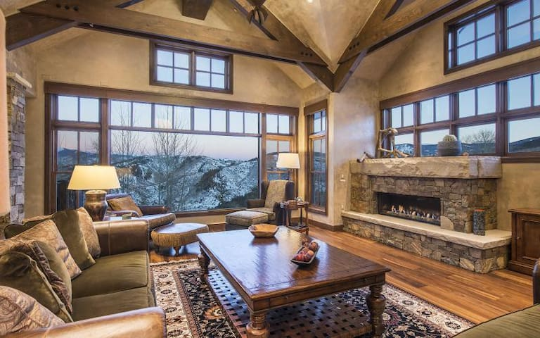 5 Stag Gulch - 6 bedroom luxurious home, located on the Ranch side of Cordillera