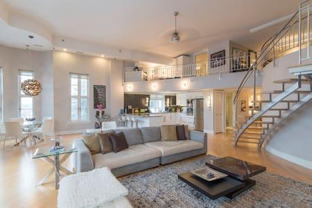 Modern Furnished Luxury 2 Bed, 2 Bath Condo - Ottawa - Loft