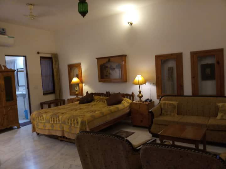 Haveli Braj Bhushanjee, Heritage Hotel and Museum