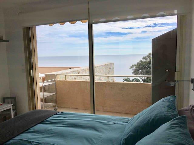 Chambre 2 vue du lit