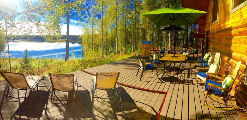 Lake front log cabin, centrally located - Talkeetna - Дом