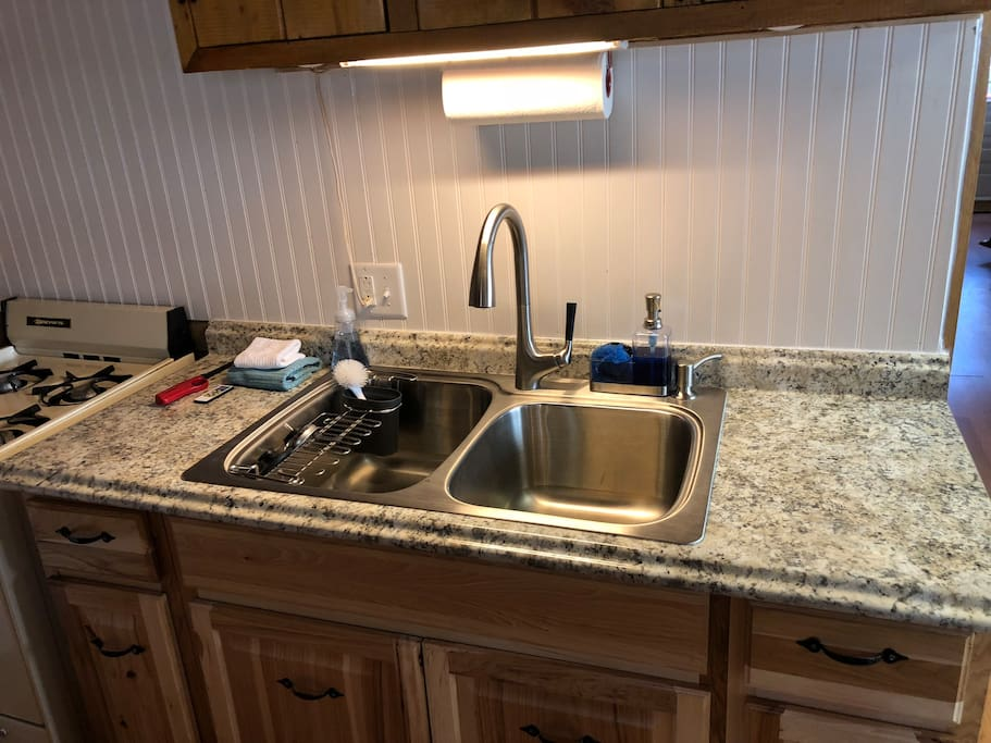 New sink with disposal (2018)