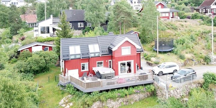 Villa med jacuzzi og flott utsikt mot Oslofjorden