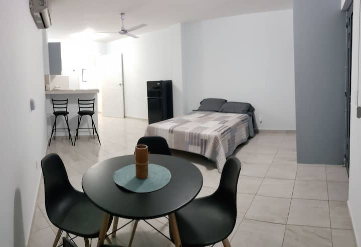 Newly Remodel Apartment /Studio Close to the Beach