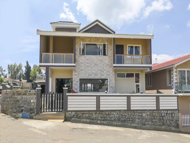 OYO - Lavish 1BHK  Home Near Ooty Boat House (ON-SALE!)