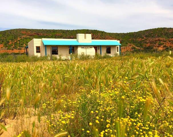 Klein Karoo Huisie @ Shadowlands Guest Farm
