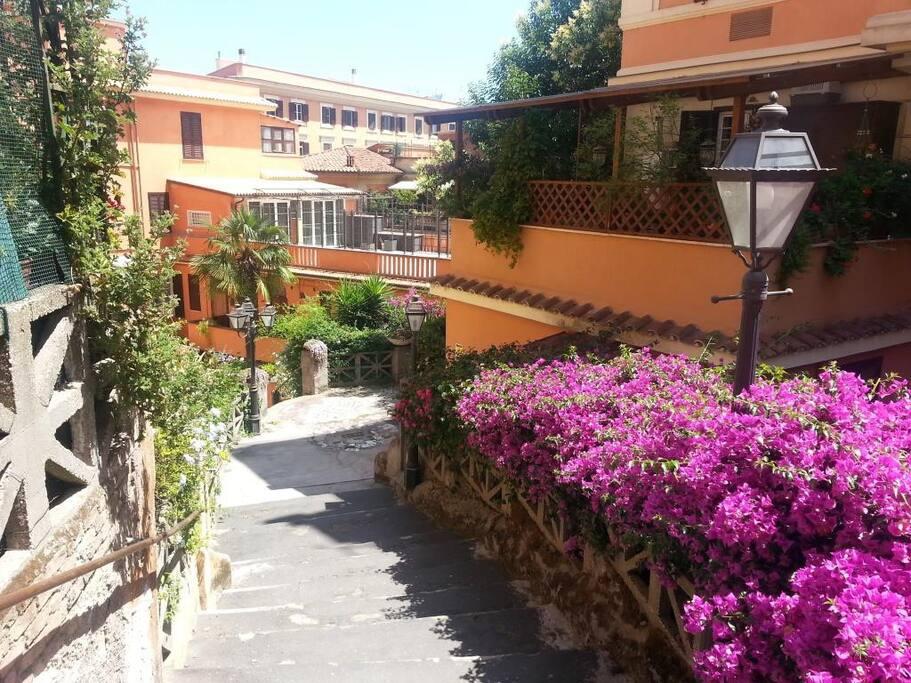 Trastevere casa in luogo stupendo appartamenti in for Affitto uffici roma trastevere