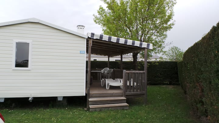 Bungalow, 2 chambres, camping Les Charmettes 4*