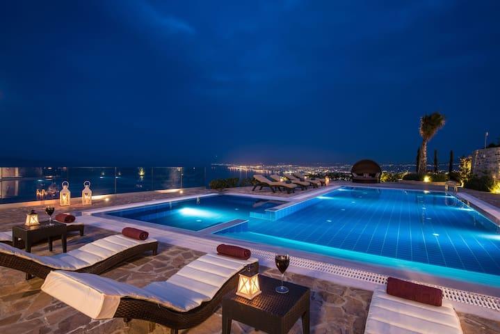 Wine dark sea Villa Bella Mare