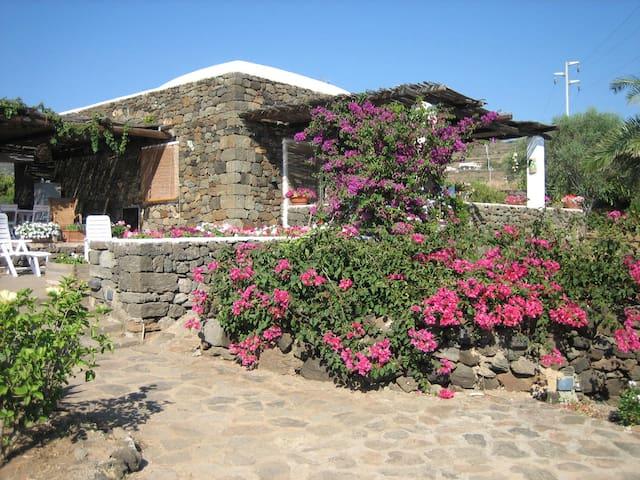 Dammuso Siragusa - Pantelleria - Villa
